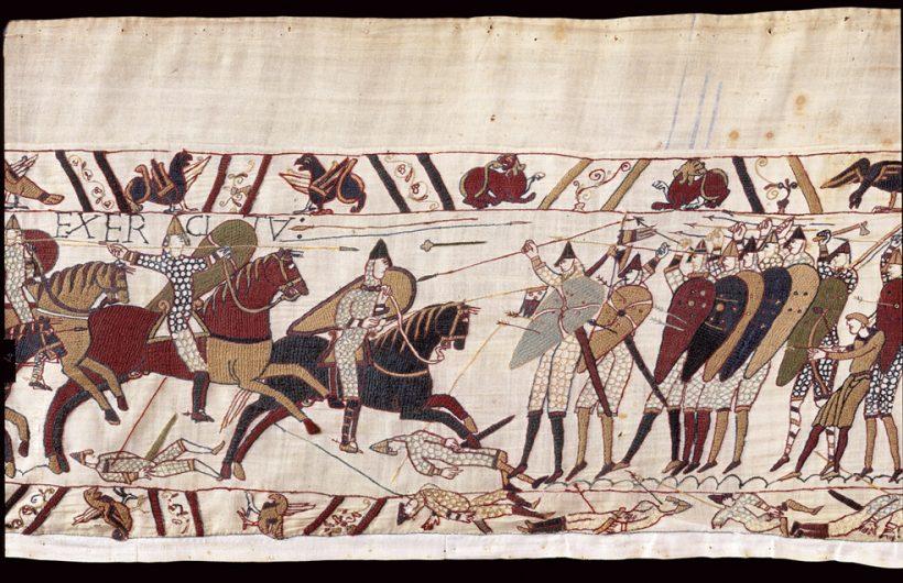 Tapisserie de Bayeux, Le face-à-face des fantassins anglais et des chevaliers normands. — © Musées de la ville de Bayeux